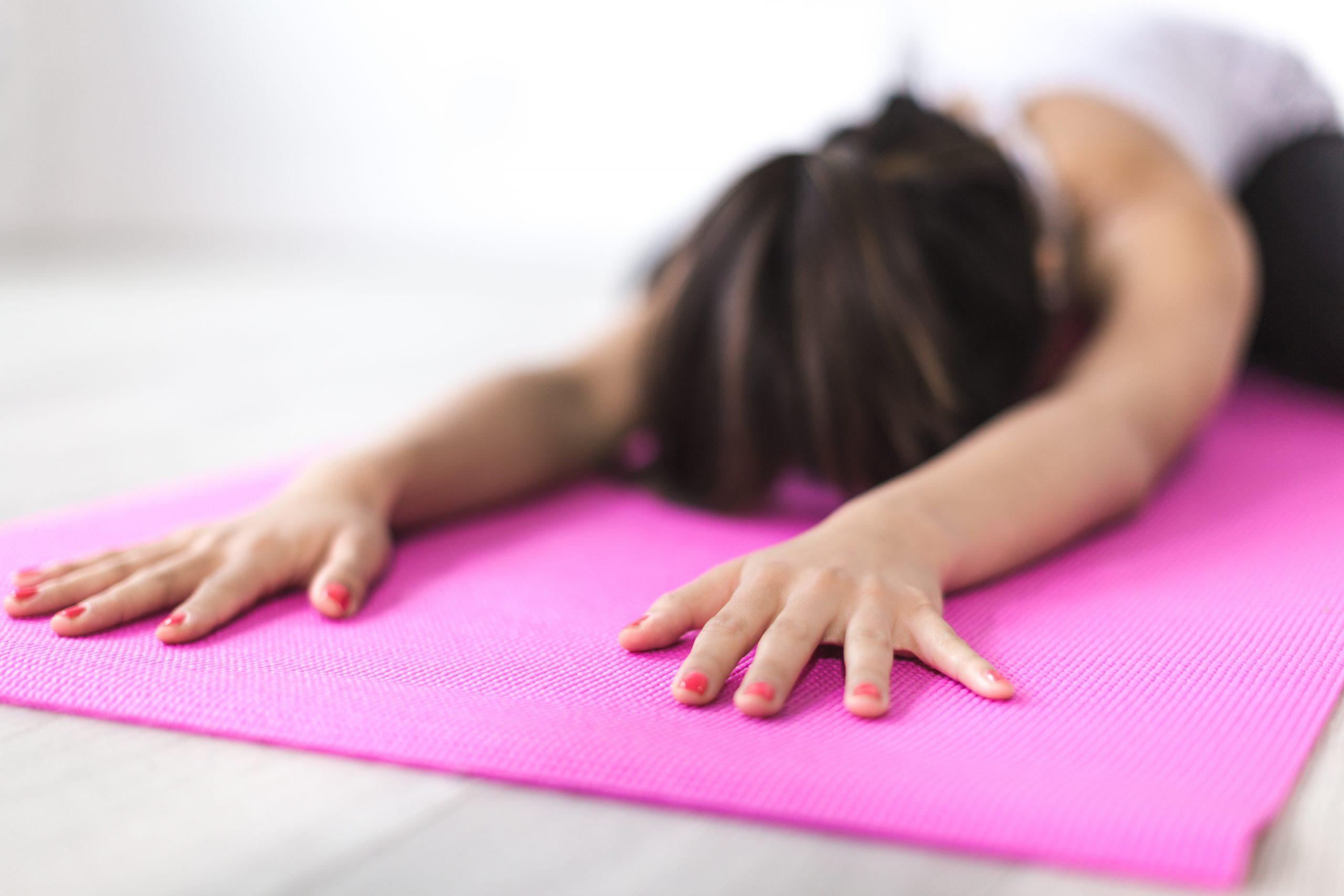10 modi divertenti per iniziare una fitness routine (anche di questi tempi).